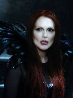 Mother Malkin (Julianne Moore)